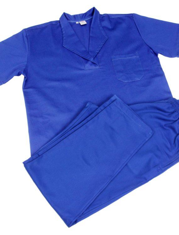 camisa-manga-curta-fechada-com-gola-italiana-bolso-com-lapela-calca-modelo-elastico-totalno-cos-com-bolsos